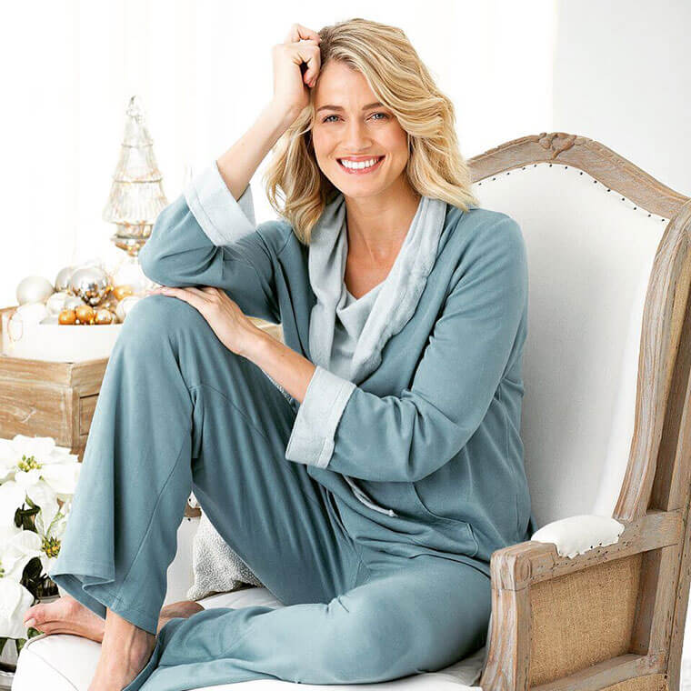 How Many Pajamas Should a Woman Own? (Answered)